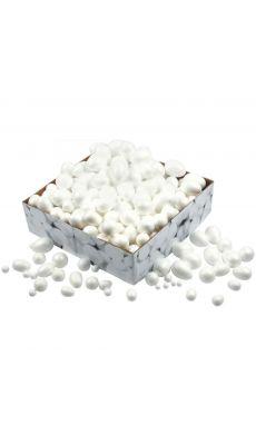 Carton de 450 boules et œufs en styropor assortis.