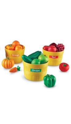 5 paniers en PVC incassable (hauteur 10cm, diamètre 14cm) et 25 fruits et légumes de 5 couleurs et des autocollants