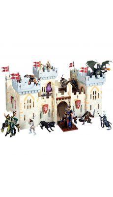 Chateau fort du maitre des armes tout en bois